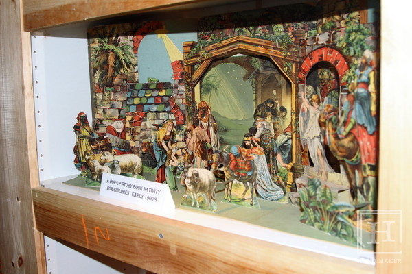 ​수공예에 관심을 가지고 있다면 The Art of the Nativity - Pop-Up Nativity Book for Children, c. early 1900's /Flickr​